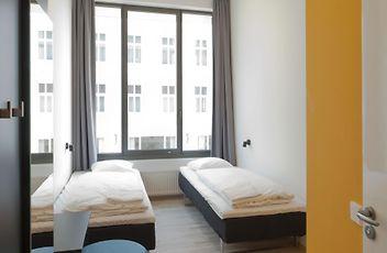 hamburg hotels apartments all accommodations in hamburg. Black Bedroom Furniture Sets. Home Design Ideas